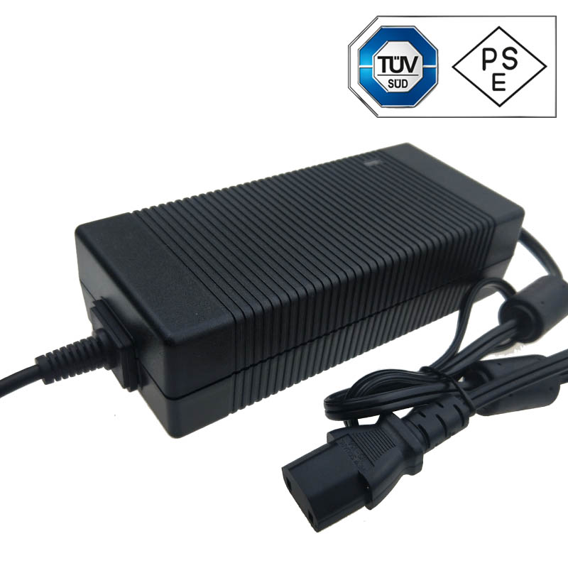 19V 8A AC ADAPTER